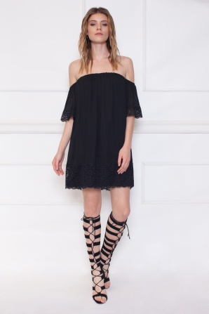 Mini dress off-the-shoulder with lace detail