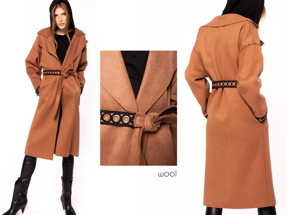 Palton din lana cu insertii metalice