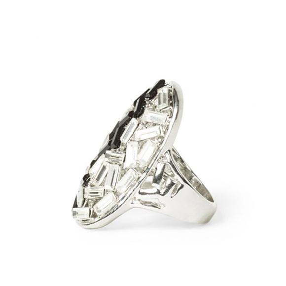 Inel argintiu cu pietricele