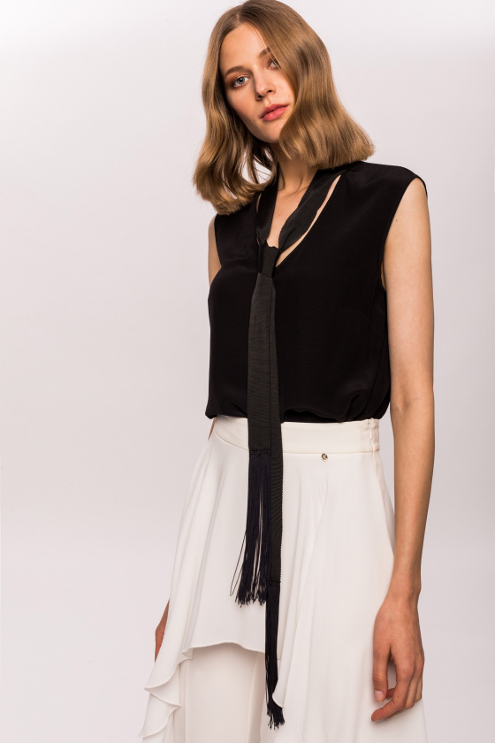 Sleeveless scarf detail top