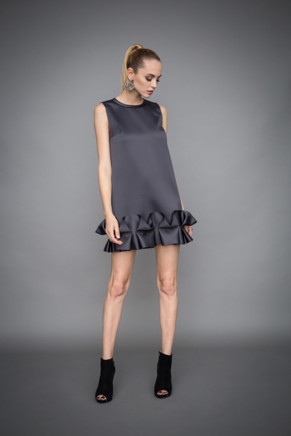 Evening dress with ruffles