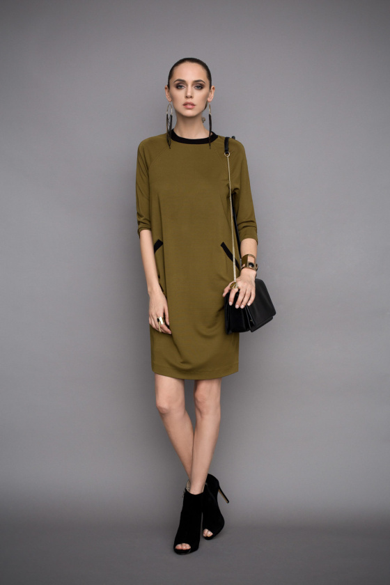Casual day dress with front pockets