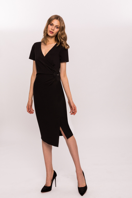 Drapped dress with bow detail