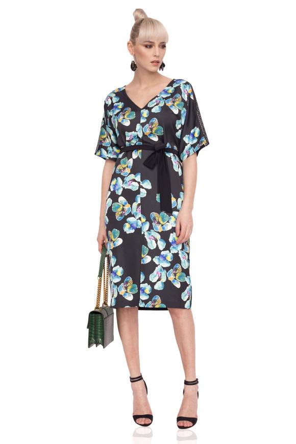 Rochie casual cu imprimeu floral si cordon in talie