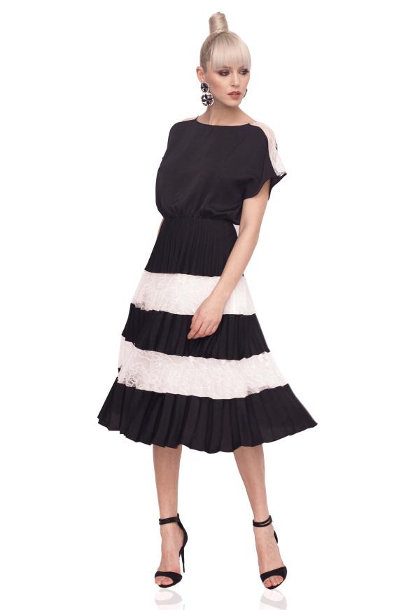 Midi dress in contrasting colors