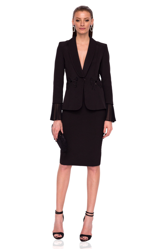 Fitted blazer with bell sleeves