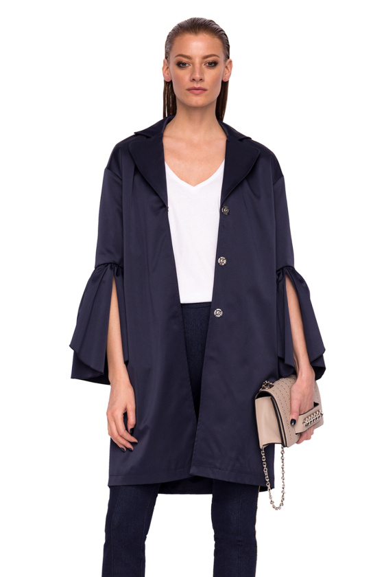 Trench coat with sleeves detail