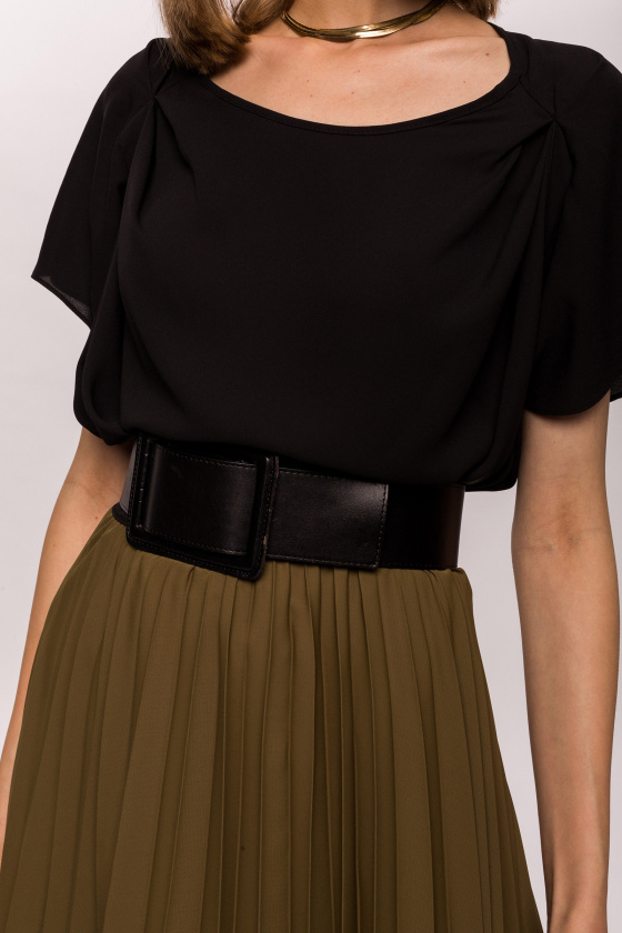 Sleeve detail top
