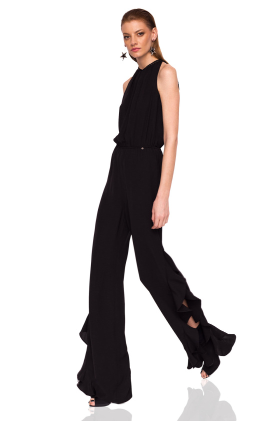 Elegant jumpsuit with ruffle details