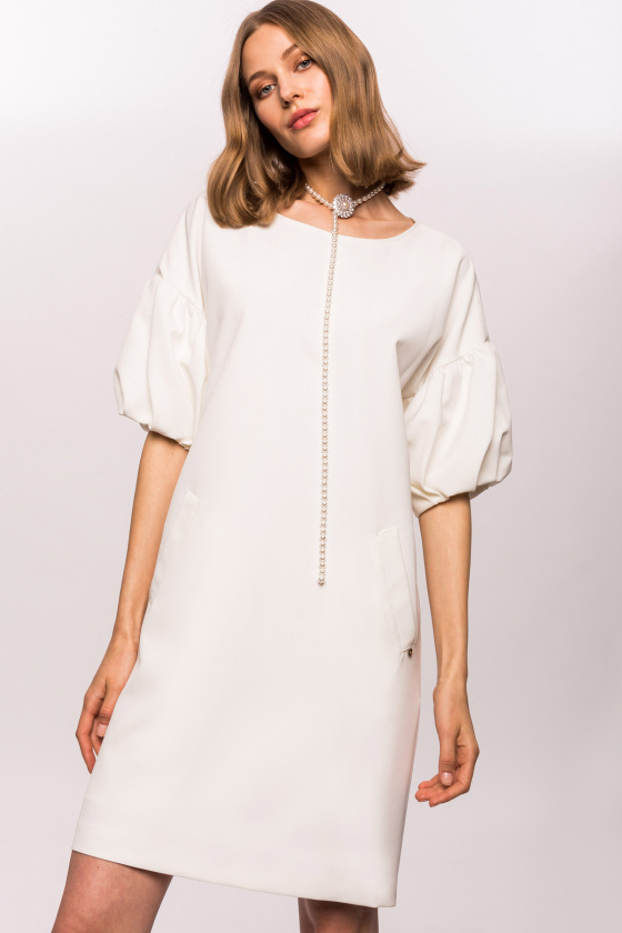 H-line dress with puffed sleeves