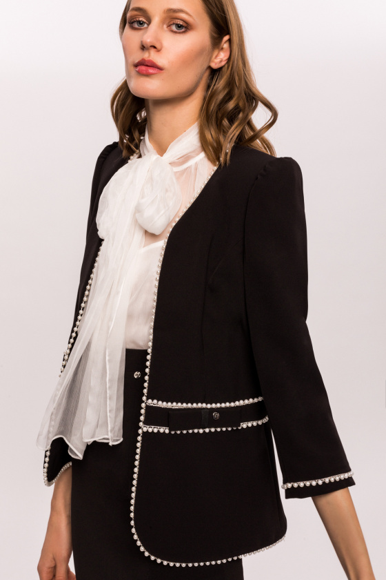 Office blazer with pearls