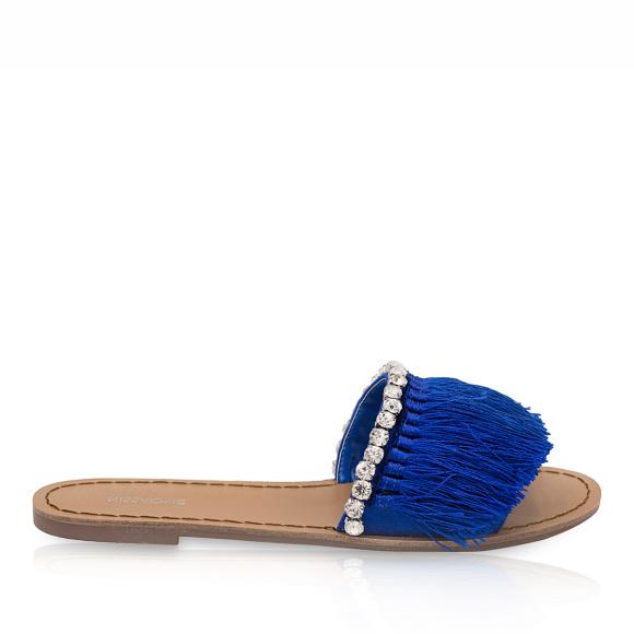 Papuci cu aplicatii din franjuri