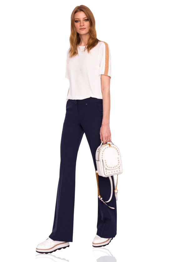 Straight trousers with medium waist