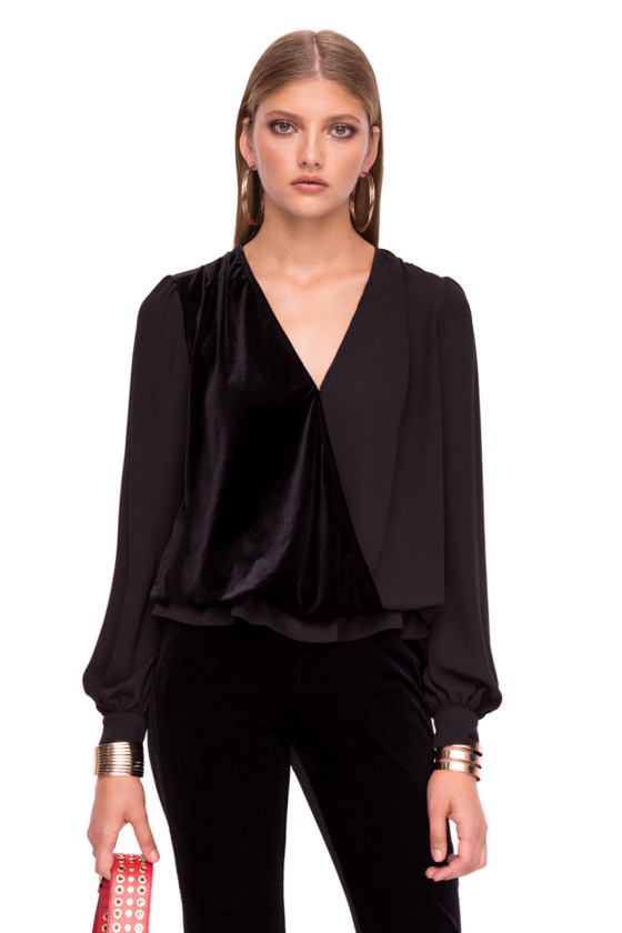 Elegant top with V neckline