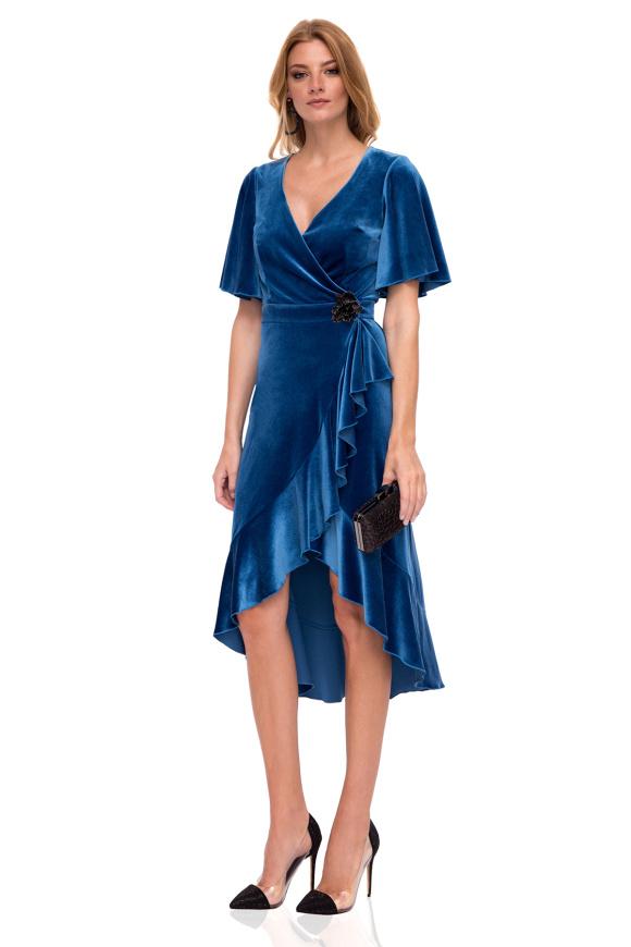 Elegant midi velvet dress with ruffle details