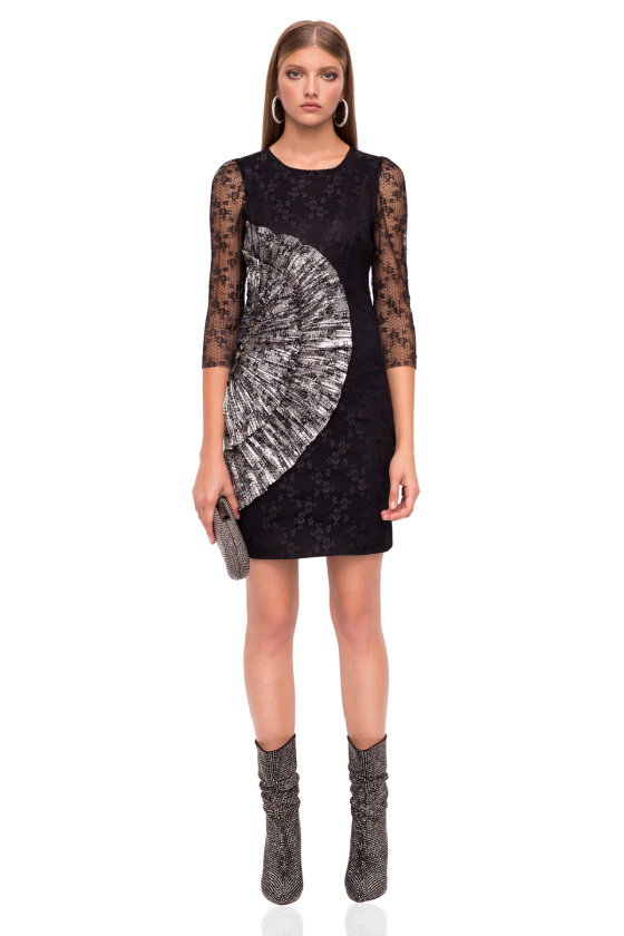Mini dress with 3/4 lace sleeves