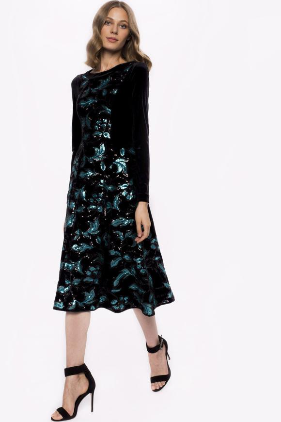 Rochie din catifea cu flori din paiete si maneci lungi