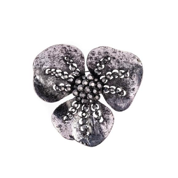 Brosa in forma de floare cu pietre stralucioare
