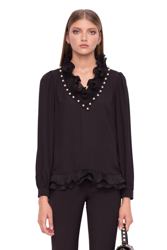 Elegant top with long sleevs and V neckline