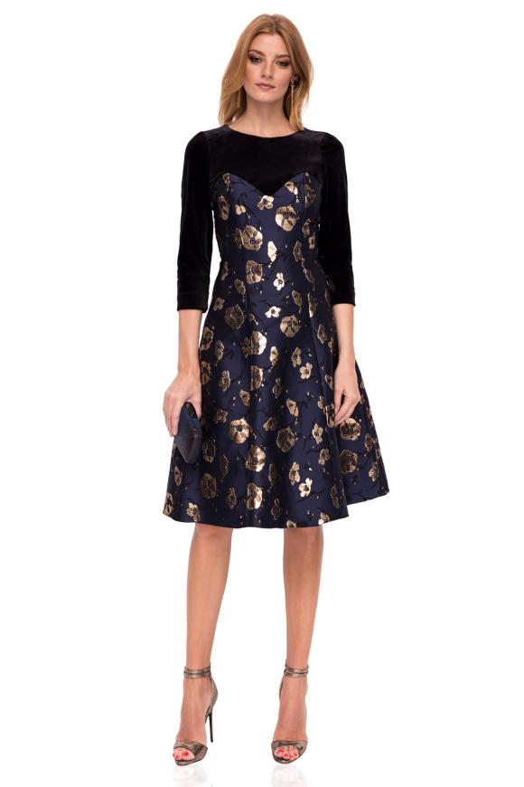 Elegant midi dress with floral print