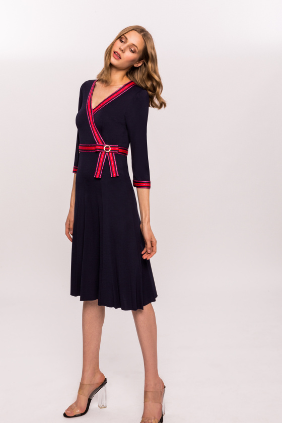 Midi dress in contrasting colors