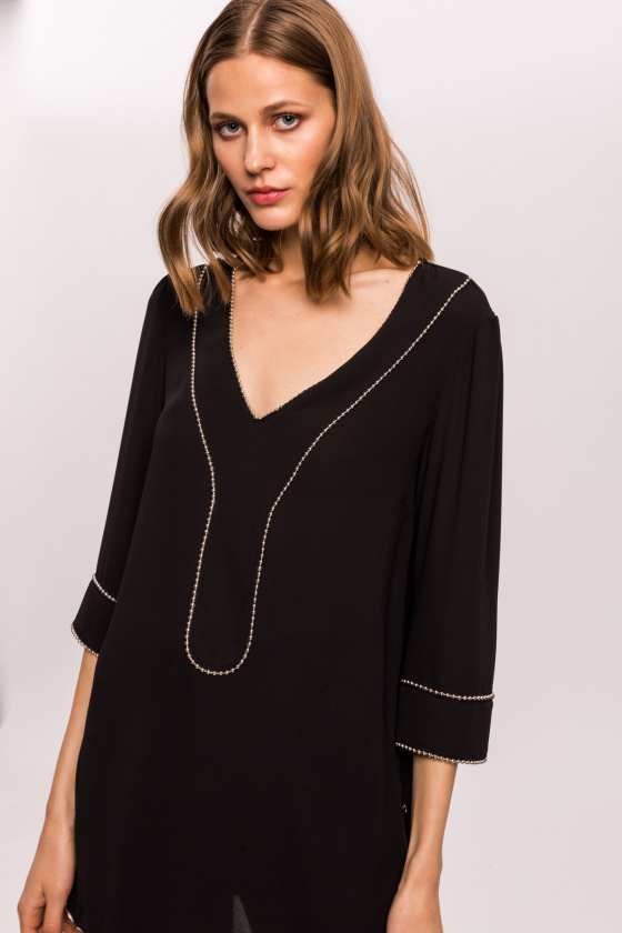 Veil top with metal applications