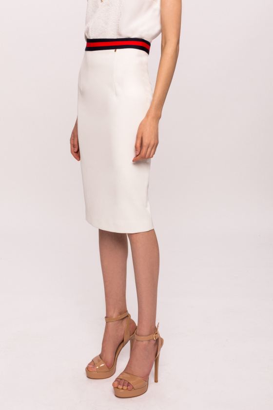 Slim skirt with contrasting band
