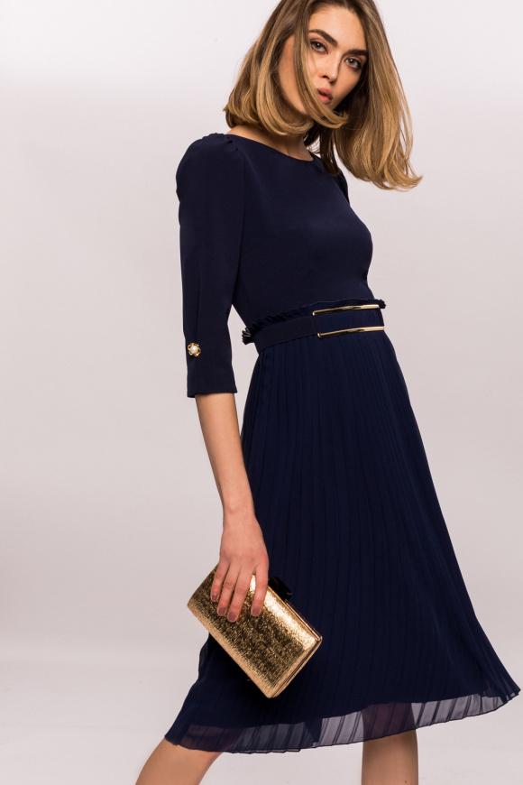 Rochie plisata cu detaliu auriu