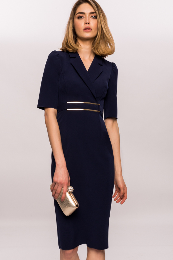 Fitted dress with lapel and golden waist band