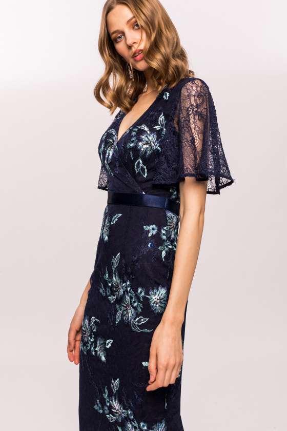 Floral embroidery lace sleeve dress