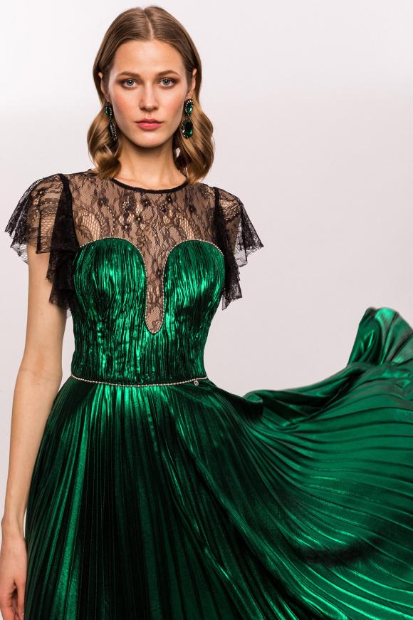Rochie verde metalic cu insertie de dantela si perle stralucitoare