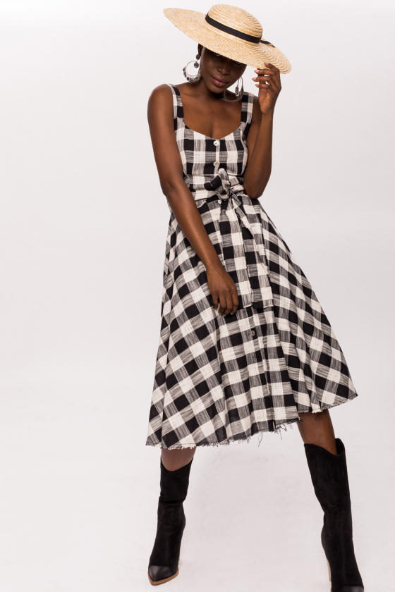 Flared plaid cotton dress with buttons