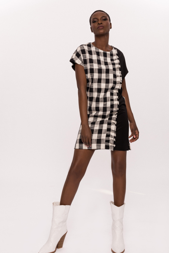 Plaid cotton dress with short sleeves