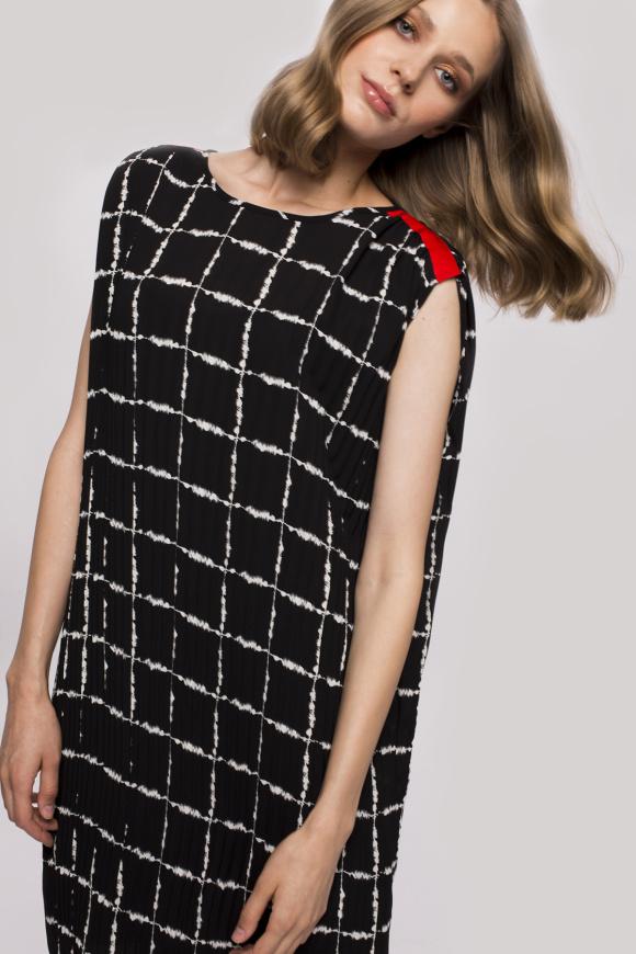 Rochie plisata din voal