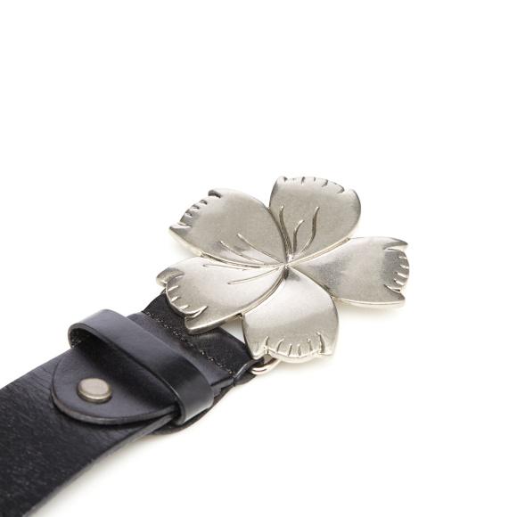 Curea din piele cu catarama metalica tip floare
