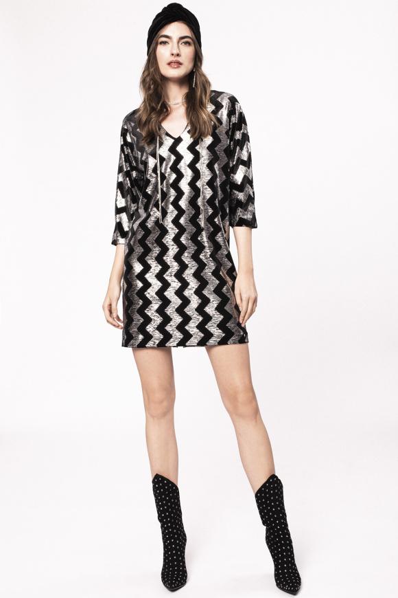Shiny thread dress