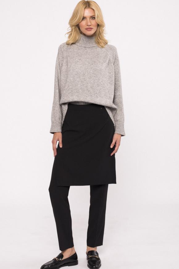 Pantaloni drepti cu fusta suprapusa