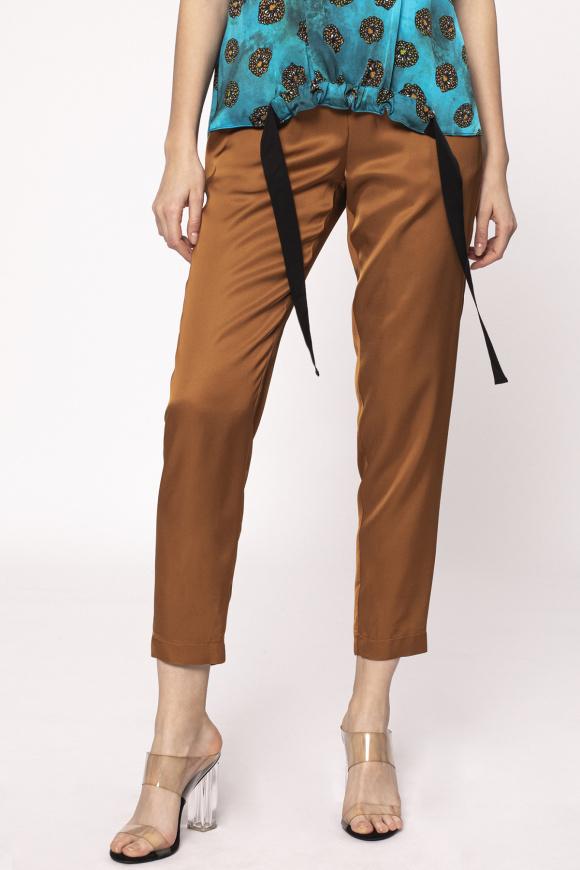 Pantaloni cu betelie elastica