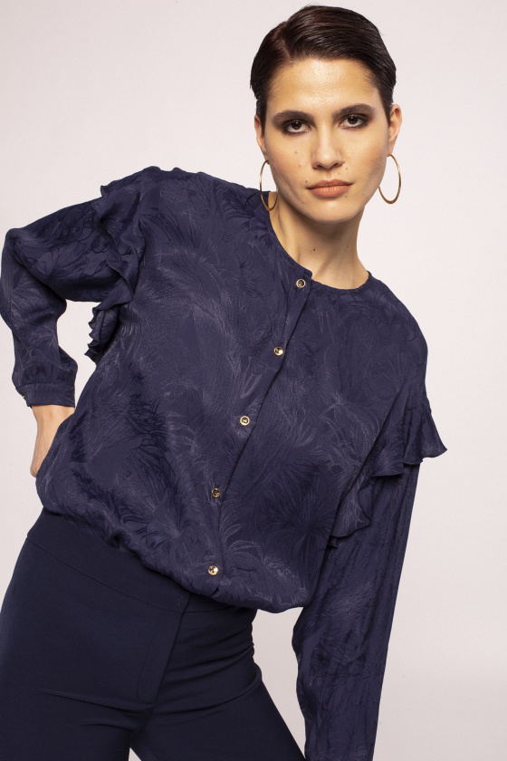 Viscose shirt with mettalic buttons
