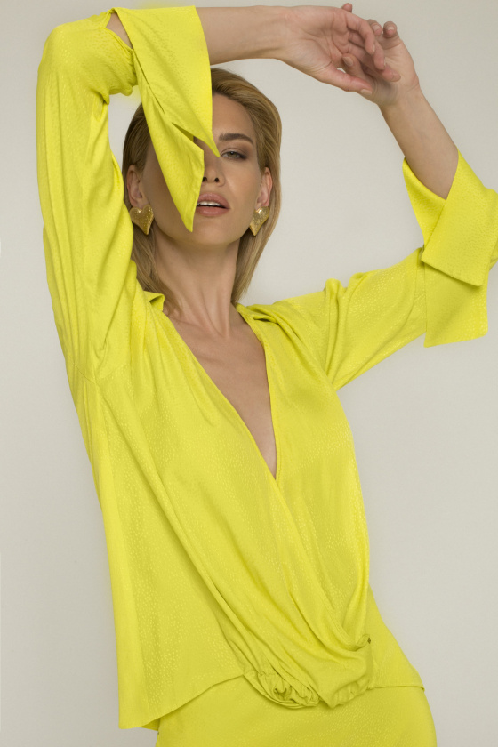 Wrapped viscose top