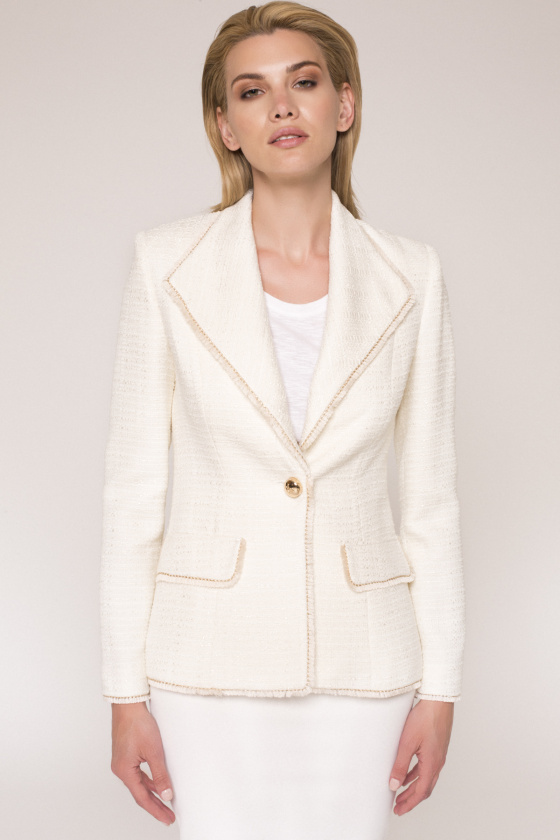 Single breast fitted jacket