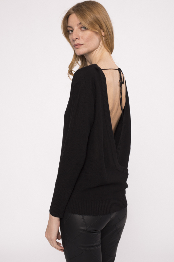 Backless knit top