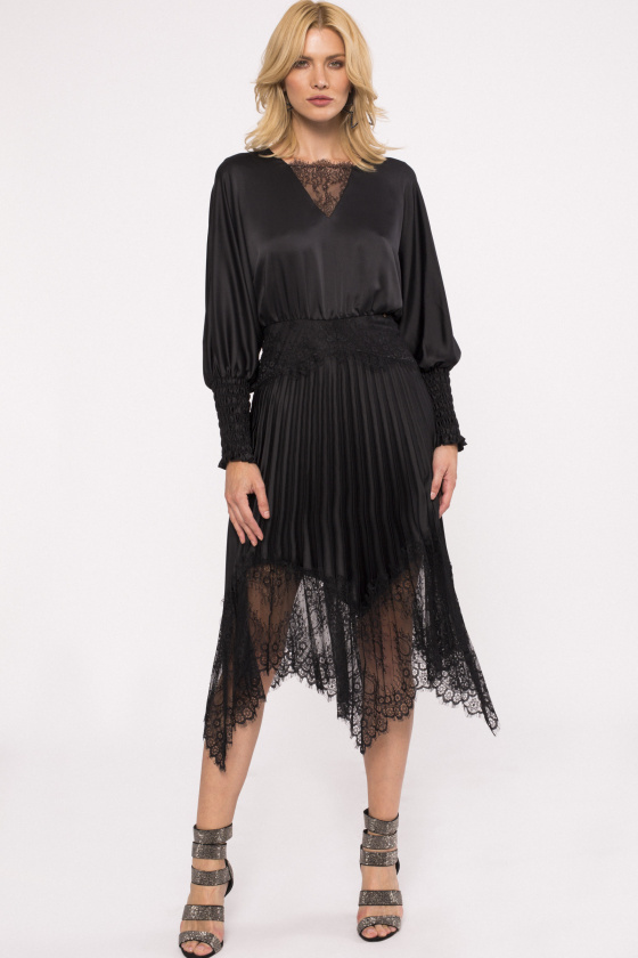 Lace trim satin-effect dress