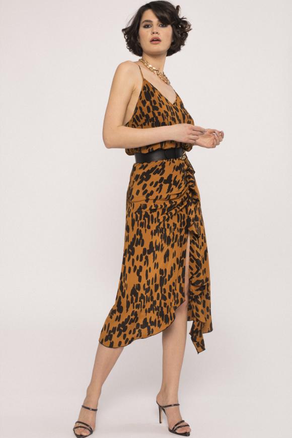 Front slit viscose skirt