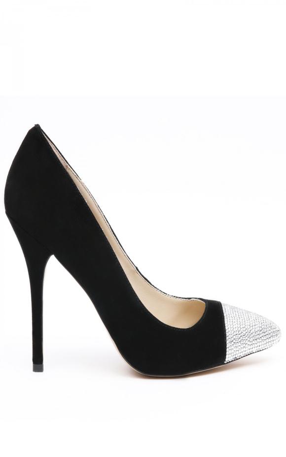 Pantofi cu detalii stralucitoare