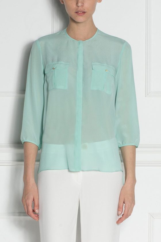 Oversized pockets shirt