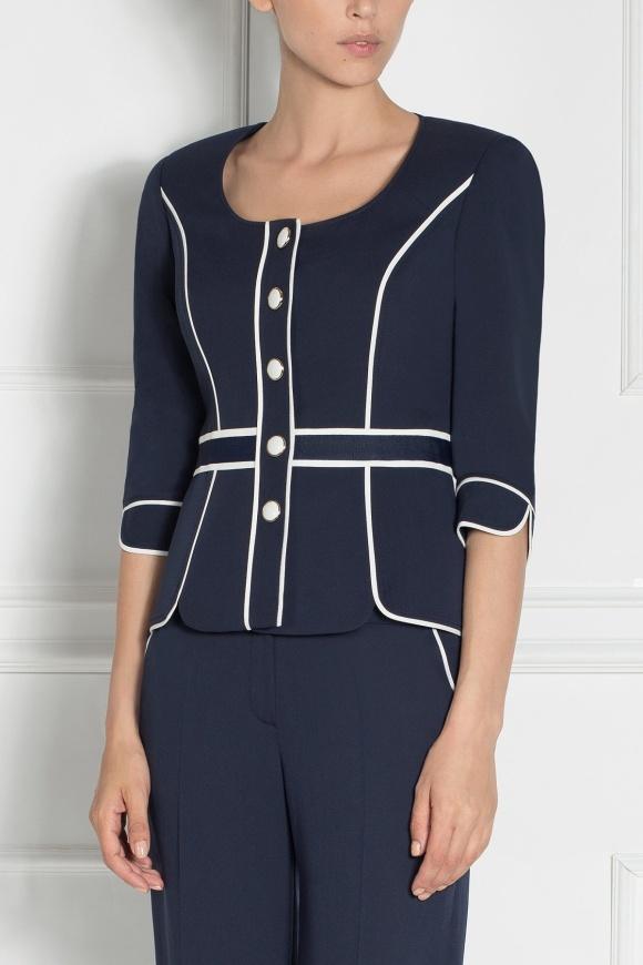 Round neckline blazer