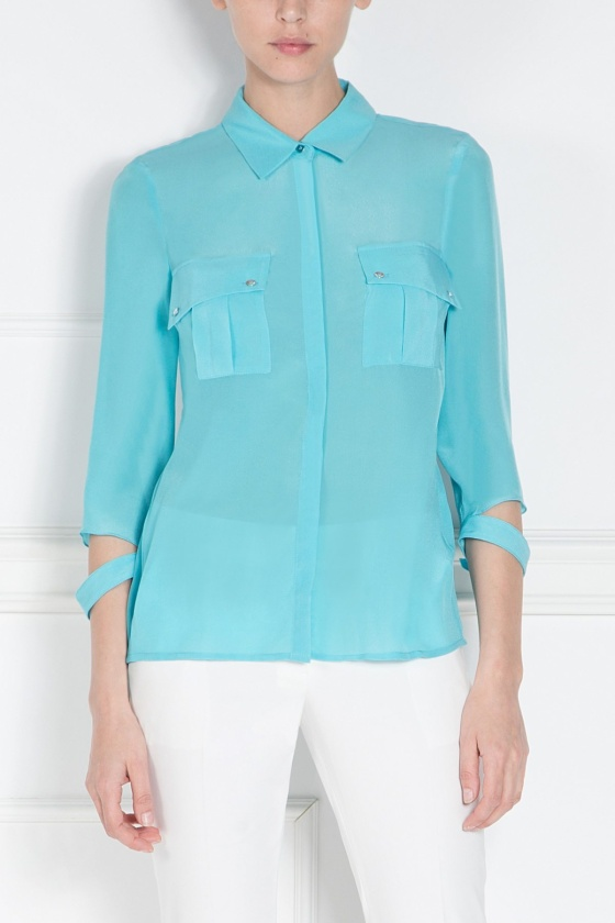 Blue shirt with oversized pockets