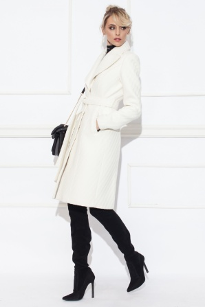 Coat with waist belt
