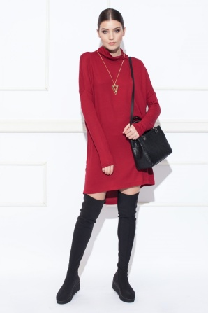 Asymmetrycal dress with long sleeves